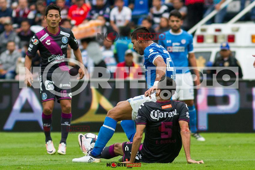 Ciudad de M&eacute;xico 22/Octubre/2016.<br /> Se llev&oacute; a cabo partido entre las escuadras del Cruz Azul Vs Puebla, correspondiente a la jornada 14 del Apertura 2016 de la liga Mx.<br /> Dicho partido culmino con un marcador total de 2-1, a favor del Puebla que se quedaron con la victoria en el estadio azul, mientras que el equipo de los celestes, tras empatar en el primer tiempo, dej&oacute; que los camoteros despuntar&aacute;n en el marcador.<br /> Cabe destacar que con esta derrota el equipo del Cruz Azul, se queda nuevamente fuera de la liguilla.