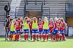 Stockholm 2015-07-11 Fotboll Damallsvenskan Hammarby IF DFF - Vittsj&ouml; GIK :  <br /> Vittsj&ouml;s  spelare samlas i en ring efter matchen mellan Hammarby IF DFF och Vittsj&ouml; GIK <br /> (Foto: Kenta J&ouml;nsson) Nyckelord:  Fotboll Damallsvenskan Dam Damer Zinkensdamms IP Zinkensdamm Zinken Hammarby HIF Bajen Vittsj&ouml; GIK grupp gruppbild depp besviken besvikelse sorg ledsen deppig nedst&auml;md uppgiven sad disappointment disappointed dejected