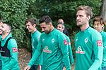 30.06.2020, Trainingsgelaende am wohninvest WESERSTADION,, Bremen, GER, 1.FBL, Werder Bremen Training, im Bild<br /> <br /> <br /> Spieler gegen zum Training, <br /> Leonardo Bittencourt  (Werder Bremen #10)<br /> Benjamin Goller (Werder Bremen #39)<br /> Claudio Pizarro (Werder Bremen #14)<br /> Sebastian Langkamp (Werder Bremen #15)<br /> <br /> <br /> Foto © nordphoto / Kokenge
