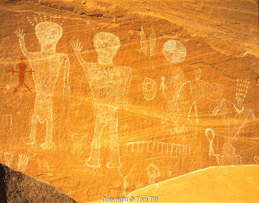 Basketmaker pictograph figures   Proposed San Juan Anasazi Wilderness, Utah   Ancient Ancestral Puebloan rock painting