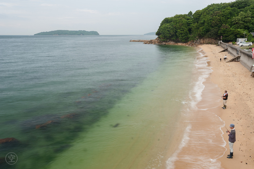 The Kagawa coast of the unpredictable Seto Inland Sea is rugged and spectacular, full of hidden coves, rocky outcroppings, and hidden fishing villages tucked beneath scrubby hills and bamboo forests.