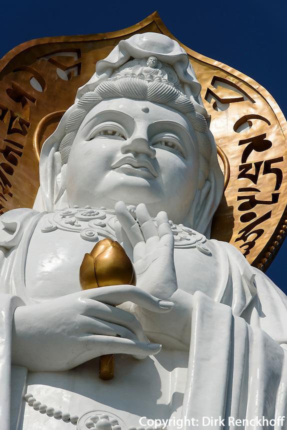 Guan Yin Statue des Nanshan-Tempel bei Sanya auf der Insel Hainan, China<br /> Guan Yin Statue of Nanshan-temple near Sanya, Hainan island, China