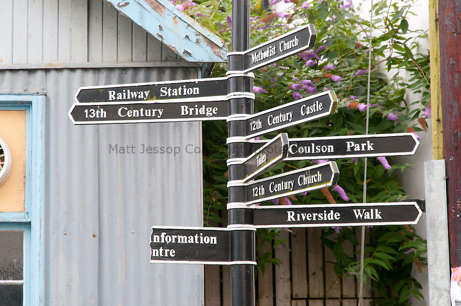 Lostwithiel signs