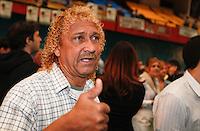 SAO PAULO, SP, 24 JUNHO 2012 - CONVENÇAO PSDB  Biro Biro durante convenção do PSDB para lancamento da candidatura do tucano José Serra no Ginásio Mauro Pinheiro (Ibirapuera) nesse domingo, 24. FOTO: VANESSA CARVALHO - BRAZIL PHOTO PRESS.