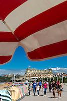 France, Aquitaine, Pyrénées-Atlantiques, Pays Basque, Biarritz: La Grande Plage et l'hôtel du Palais  //  France, Pyrenees Atlantiques, Basque Country, Biarritz: The Grande Plage and the Hotel du Palais or Eugenie Palace