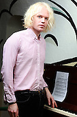 Oct 01, 2013: CONNAN MOCKASIN - Photosession in Paris France