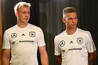 Julian Brandt (Deutschland Germany) und Joshua Kimmich (Deutschland, Germany) warten auf ihren Auftritt auf der Pressekonferenz - 16.06.2017: Pressekonferenz der Deutschen Nationalmannschaft, Radisson BLU Hotel Sotschi