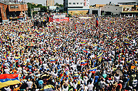 BARQUISIMETO - VENEZUELA, 02-02-2019:  Cientos de Venezolanos participan hoy, 2 de febrero de 2019, en Barquisimeto en una marcha en apoyo al jefe del Parlamento y autoproclamado presidente encargado de Venezuela, Juan Guaidó. / Hundreds of Venezuelans participate today, February 2, 2019, in Barquisimeto in a parade in support of the head of Parliament and self-proclaimed president in charge of Venezuela, Juan Guaidó. Photos: VizzorImage / Jose Daniel Sosa  / Cont