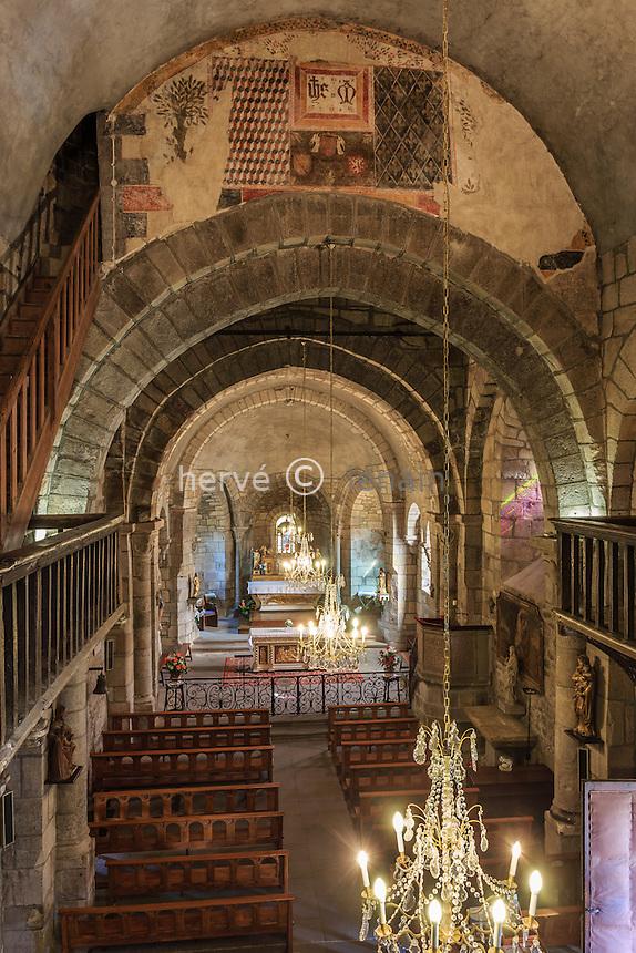 France, Haute-Loire (43), Auzon, l'église Saint-Laurent d'Auzon, la nef // France, Haute Loire, Auzon, church Saint Laurent, the nave