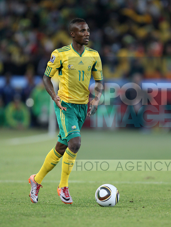 South Africa's Teko Modise in action