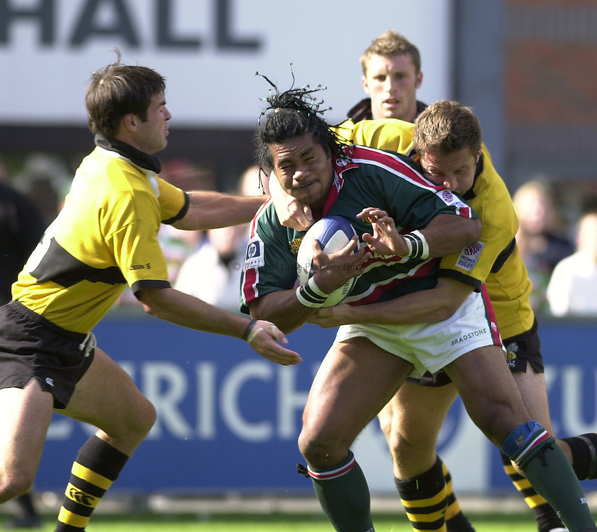Photo.Colleen Briggs.8th September 2001.Leicester Tigers v London Wasps, Premier League.Caption;Freddie Tuilagi with true grit as he hangs onto the ball for Leicester Tigers.