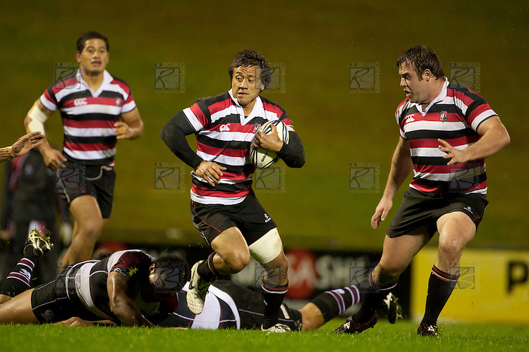 Tim Nanai Williams steps past the North Harbour tacklers. Counties Manukau Steelers pre season ITM Cup game against North Harbour played at Bayer Growers Stadium Pukekohe on Wednesday July 21st 2010..North Harbour won 22 - 21.