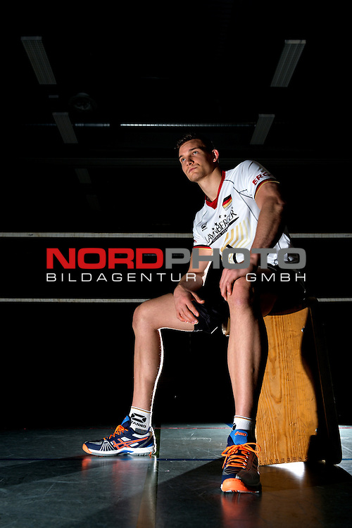 24.05.2015, Sportzentrum Westenfeld, Bochum<br /> Volleyball, Fotoshooting Nationalmannschaft Maenner<br /> <br /> Portrait, Portraet, Portrait Christian Fromm (#1 GER) / Out of the box <br /> <br />   Foto &copy; nordphoto / Kurth