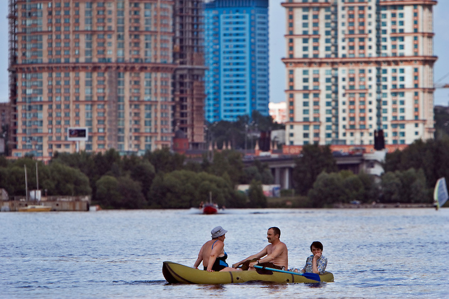 Moscow, Russia, 22/07/2006..Boaters and water-skiers on the reservoirs of northern Moscow.