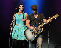 HOLLYWOOD FL - OCTOBER 21 :  Keifer Thompson and Shawna Thompson of Thompson Square perform at Hard Rock live during the 99.9 KISS Country Stars N Guitars concert held at the Seminole Hard Rock hotel & Casino on October 21, 2012 in Hollywood, Florida.  Credit: mpi04/MediaPunch Inc. /NortePhoto