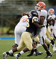 Florida International University Golden Panthers v. Bowling Green University Falcons at Miami, Florida on Saturday, September 16, 2006...Sophomore defensive end Jarvis Penerton (96)