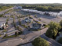mall, Dedham, MA
