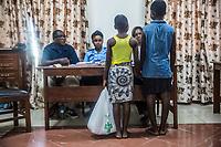 Children police, No vidomegon, due bambine alle visite preliminari presso il Centro minori con poliziotti, psicologi e mediatori