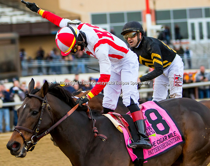 DECEMBER 01, 2018 : Patternrecognition, ridden by Jose Ortiz, wins the Cigar Mile  Handicap at Aqueduct Racetrack on December 24, 2018 in Ozone Park, NY.  Sue Kawczynski/ESW/CSM
