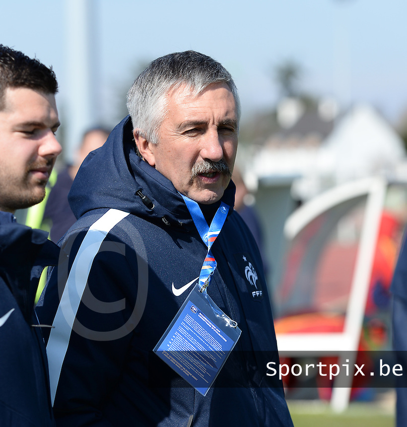 20150406 - OZOIR , FRANCE  : French Coach Gilles Eyquem pictured during the soccer match between Women Under 19 teams of France and Romania , on the second matchday in group 3 of the UEFA Elite Round Women Under 19 at Stade des 3 Sapins , Ozoir La Ferriere , France . Monday 6th April 2015 . PHOTO DAVID CATRY