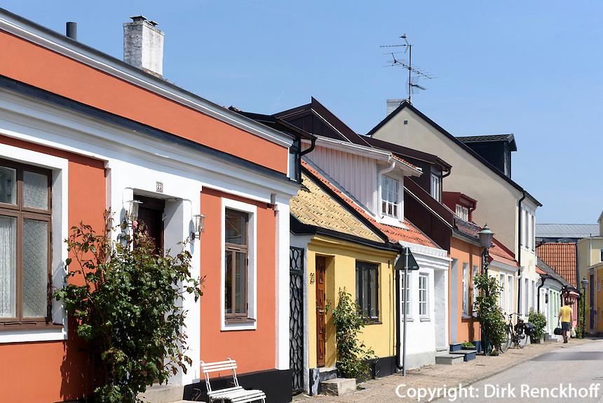 Bunte H&auml;user in der Skansgatan, Ystad, Provinz Sk&aring;ne (Schonen), Schweden, Europa<br /> houses at Skansgatan  in Ystad, Sweden