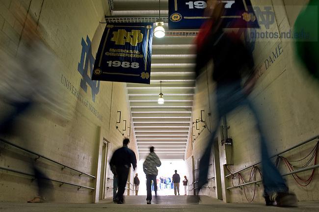 Stadium tours, Oct. 2, 2009..Photo by Matt Cashore/University of Notre Dame