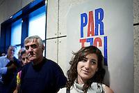 Lecco: gente in ascolto Matteo Renzi durante il suo discorso a Bergamo, per la sua campagna elettorale per le primarie del PD.