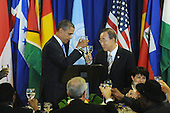 US President Barack Obama, left, and United Nations Secretary General Ban Ki-moon, right, hold a toast during a luncheon at UN headquarters in New York, New York, USA, Thursday, 23 September 2010.  The luncheon occurs during the 65th session of UN General Assembly (UNGA), where world leaders are meeting for general debate on alleviating poverty, global security and economic development.    .Credit: Michael Reynolds - Pool via CNP