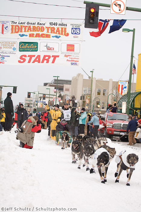 Jeff King Anchorage Start Iditarod 2008.