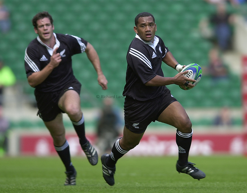 Photo Peter Spurrier.24/05/2002 (Friday).Sport -Rugby Union - London Sevens.New Zealand vs Georgia.Amasio Valence, running with ball.