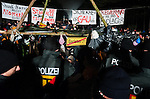 © Hughes Léglise-Bataille/Wostok Press.Allemagne, Gorleben.08.11.2010.Plusieurs milliers de personnes ont occupe la route d'acces au centre de stockage de Gorleben (Allemagne) le 08/11/2010 afin de bloquer le transport de dechets nucleaires CASTOR. Elles ont ete evacuees par les forces de l'ordre dans la nuit, mettant fin a 2 jours d'occupation...Thousands of people occupied the access road to the storage center of Gorleben (Germany) on November 08, 2010 in an attempt to block the nuclear waste transportation CASTOR. They were evacuated by police on the night, ending a 2 days occupation.