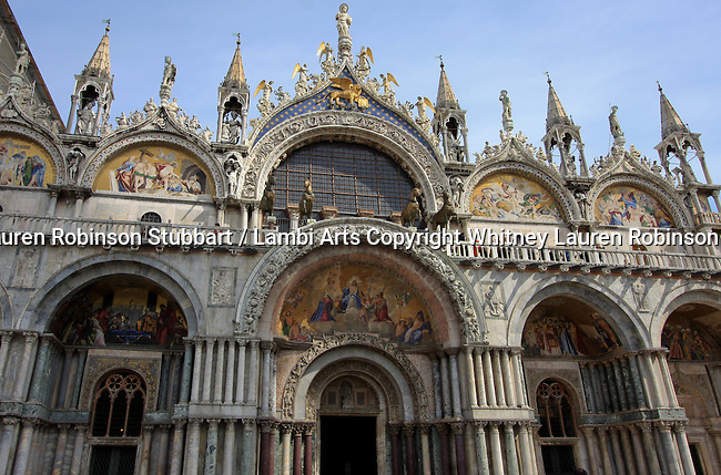 Venice Italy 2009 Building and Architecture Photography Italy, Rome, Venice, Pompeii, Murano, City, house, urban, ornate, old world, windows, pillars, Structures, hardware, works of art, texture, design, European, Oriental, City buildings, modern, renaissance, contemporary, rural, urbanism, Rialto bridge, canals, Piazza San Marco, Gondolas, St Mark's Basilica, sunset, boats, The Campanile, towers, The Colosseum, city life, beach, Italian coast, Mount Vesuvius, ruins, The Pantheon, Monument to Vittorio Emanuele II, Arch of Constantine, The Biblioteca Marciana, Andrea Gritto, balconies, Doge's Palace, Palazzo Santa Sofia, Vatican Museum, Temple of Venus and Roma, etc.