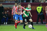 BUKARESZT 09.05.2012.MECZ FINAL LIGA EUROPY SEZON 2011/12: ATLETICO MADRYT - ATHLETIC BILBAO --- UEFA EUROPA LEAGUE FINAL 2012 IN BUCHAREST: CLUB ATLETICO DE MADRID - ATHLETIC CLUB DE BILBAO.MARIO SUAREZ  IKER MUNIAIN.FOT. PIOTR KUCZA.---.Newspix.pl