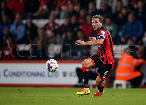 20.09.2016. Vitality Stadium, Bournemouth, England. Football League Cup Football. Bournemouth versus Preston. Bournemouth Midfielder Dan Gosling knocks the ball forward