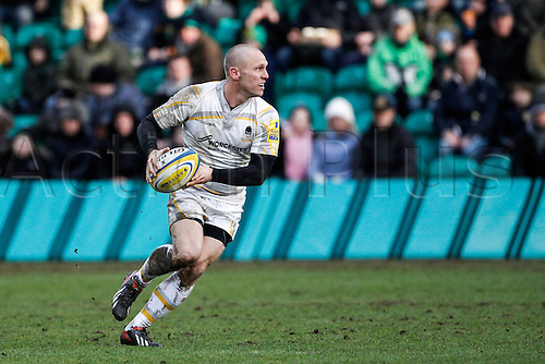 15.02.2014 Northampton, England.  Paul WARWICK of Worcester Warriors on the ball during the Aviva Premiership match between Northampton Saints and Worcester Warriors at Franklin's Gardens.  Final score: Northampton Saints 30-14 Worcester Warriors.