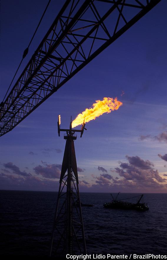 Petroleum platform, fire. Brazil.