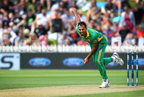 25.01.2016. Basin Reserve, Wellington, New Zealand. New Zealand versus Pakistan One Day International Cricket. Wahab Riaz bowls during the 1st ODI cricket match between the New Zealand Black Caps and Pakistan