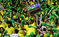 SAO BERNARDO DO CAMPO, SP, 10 JUNHO 2012 - LIGA MUNDIAL DE VOLEI MASCULINO 2012 - BRASIL X POLONIA -  Torcedores do Brasil antes da partida  contra Polonia pela  etapa brasileira da Liga Mundial de Vôlei 2012 Masculino no Ginasio Adib Moyses Dib (Poliesportivo) em Sao Bernardo do Campo no ABC Paulista, neste domingo, 10. (FOTO: ALE VIANNA / BRAZIL PHOTO PRESS).