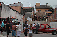 SAO PAULO, 09 DEZEMBRO 2012 - DESMORONAMENTO. Uma obra desmoronou na manha de hoje (9) na Rua Juvenal Ferreira no bairro da V. Matilde, por sorte nao houve vitimas. Luiz Guarnieri/ Brazil Photo Press.
