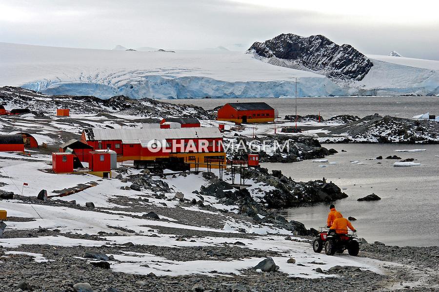Base Esperanza, argentinos na Antartida. 2006. Foto de Caio Vilela.