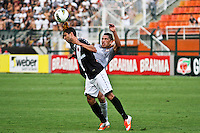 ATENÇÃO EDITOR: FOTO EMBARGADA PARA VEÍCULOS INTERNACIONAIS SÃO PAULO,SP,27 OUTUBRO 2012 - CAMPEONATO BRASILEIRO - CORINTHIANS x VASCO -Ralf  jogador do Corinthians durante partida Corinthians x Vasco válido pela 33º rodada do Campeonato Brasileiro no Estádio Paulo Machado de Carvalho (Pacaembu), na região oeste da capital paulista na tarde deste sabado (27).(FOTO: ALE VIANNA -BRAZIL PHOTO PRESS).