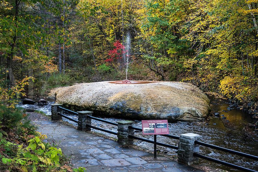Geyser Island Spouter, Saratoga Springs, New York, USA