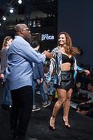 SAO PAULO, SP, 04.03.2015 - MEGA FASHION WEEK - Airton Graça e Viviane Araújo desfilam no Mega Fashion Week, evento de moda que acontece em São Paulo (SP), na tarde desta quarta-feira (4). (Foto: Kevin David / Brazil Photo Press).