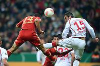 FUSSBALL  DFB POKAL       SAISON 2012/2013 FC Bayern Muenchen - 1 FC Kaiserslautern  31.10.2012 TOR zum 3:0 durch Claudio Pizarro (li, FC Bayern Muenchen) gegen Marc Torrejon  (1. FC Kaiserslautern)