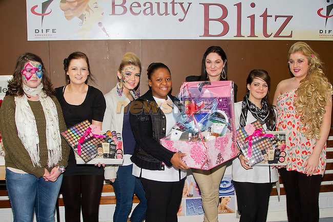 Beauty Blitz winners picture with Judge Geraldine O Callaghan;.1st: Sacha Lyons and Ciara Bailey.2nd: Avril O Reilly and Siofra Pyke.3rd: Amber Conran and Jamie-Lee Curtis.Picture: Shane Maguire / www.newsfile.ie.