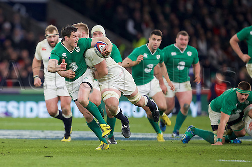 27.02.2016. Twickenham, London, England. RBS Six Nations Championships. England versus Ireland. Ireland fly-half Jonathan Sexton makes a break into open field