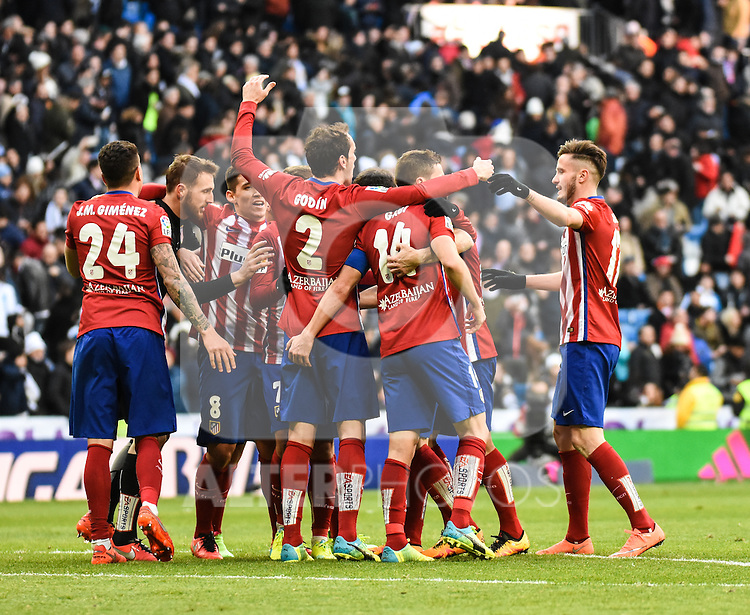 Atletico de Madrid´s players celebrating the victory during 2015/16 La Liga match between Real Madrid and Atletico de Madrid at Santiago Bernabeu stadium in Madrid, Spain. February 27, 2016. (ALTERPHOTOS/Javier Comos)