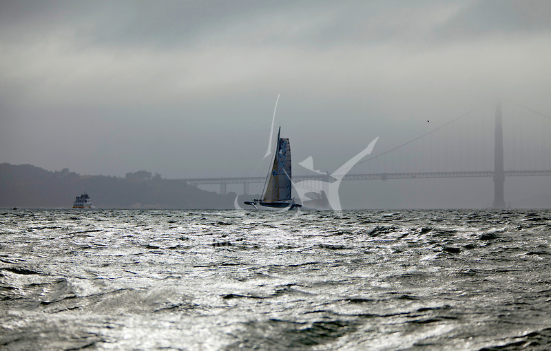 L'Hydroptère DCNS, Alain Thébault and his crew sailing in San Francisco.
