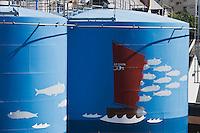 Europe/France/Bretagne/29/Finistère/Douarnenez: Au port de pêceh , les cuves à carburant sont peintes à l'effigie de la sardine