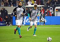 Sami Khedira (Deutschland Germany), Thomas Mueller (Deutschland Germany) beim Aufwaermen in den neuen Trainingsoutfits - 23.03.2018: Deutschland vs. Spanien, Esprit Arena Düsseldorf